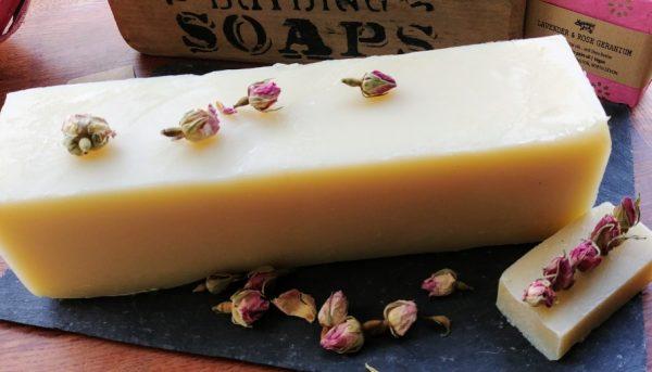 1 kg uncut soap loaf